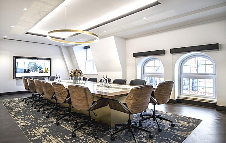 Audley **For private meetings in London, the Audley Room at 20 North Audley Street can fit all your needs.**  20 North Audley Street is a stunning new meeting and event venue located in a vibrant part of Mayfair.   This striking property boasts a stunning reception, customer lounge and a private roof terrace with unrivalled views over the West End.   Offices are arranged over the first, second and fifth floor with the Audley Room accommodating up to 16 guests.