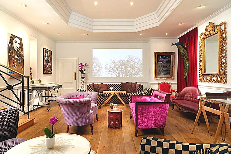 The Lounge **Book the Lounge at the Square Club Bristol for a private space in one of the top restaurants in Bristol and a fantastic venue for any event.** 