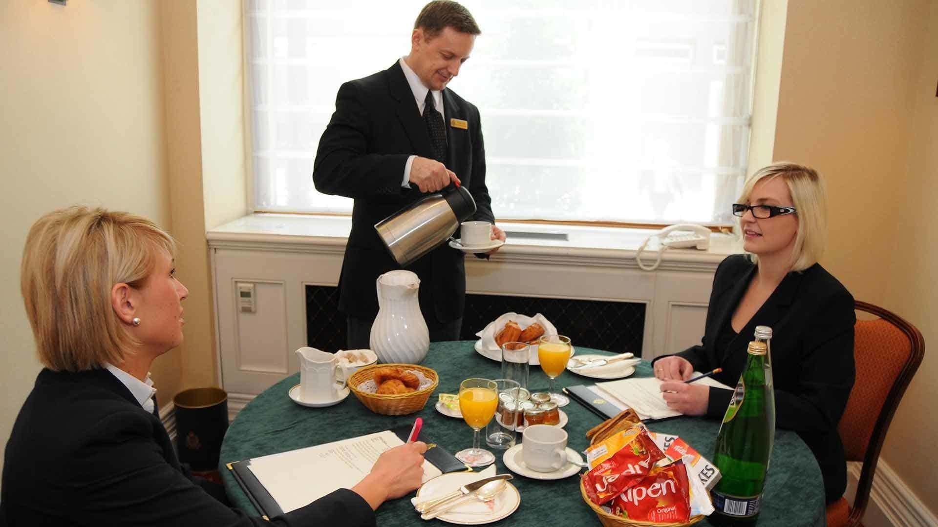 Barnes Room, The Army & Navy Club