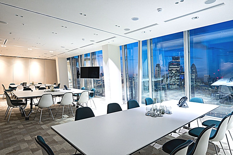 Large Meeting Room **In the heart of London Bridge in an iconic venue like no other. Choose a room hire at The Shard for your next event**