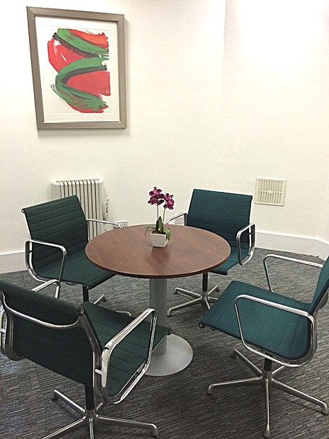 Meeting Room **For your next meeting room hire in London look no further than 28 Grosvenor Street.**  28 Grosvenor Street is a delightful serviced office jewel, nestling on one of Mayfair's most prestigious stre