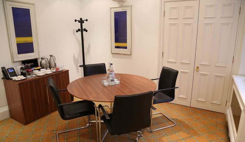 Meeting Room, The Argyll Club, 53 Davies Street