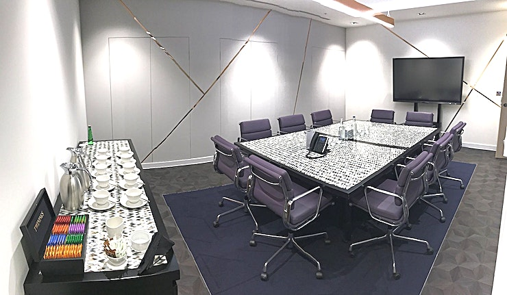Hawkins **Hawkins at Nova South is a state-of-the-art, adaptable meeting room for hire in Victoria.**  Nova South is located opposite Victoria rail station and is designed to the highest specification.  The Argyll Club occupies the ninth floor which benefits from a stunning roof terrace that enjoys views over the surrounding area.  The property provides beautifully appointed, fully furnished and discreet offices that are complemented by a complete range of business support, including; a professional receptionist, dedicated telephone answering, bespoke, state-of-the-art technology and first-class support services.