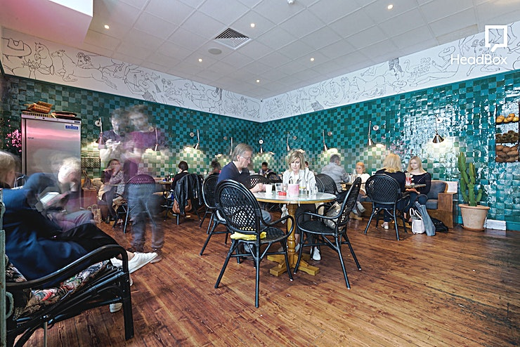 Venue & Courtyard A holistic and healthy, yet comfortingly simple approach to Australian cafe culture in the heart of Notting Hill. Farm Girl values fresh, nutritionally nurturing ingredients and delivers them in a war