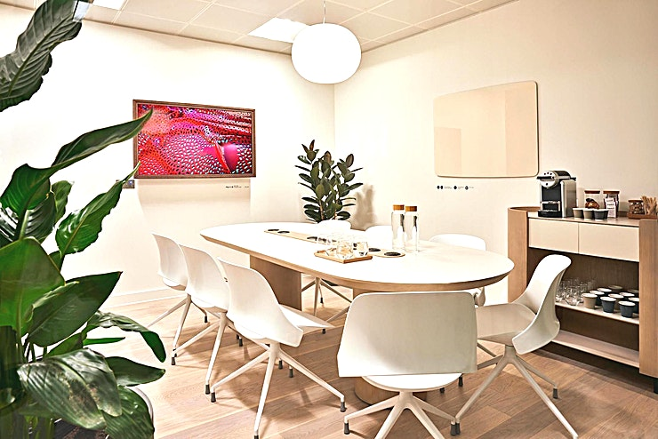 """Meeting Room #11 **Meeting Room 11 at Meet in Place is a state-of-the-art meeting room to hire in London.**  A classic boardroom for the perfect meeting experience. Suitable for 3 to 10 people. This Space is ideal for interviews, intimate meetings and brainstorming sessions.   Specialities include a coffee machine, 55"""" Digital Screen and high-speed WiFi.  Book on an hourly basis with no membership needed. Ideal for freelancers, entrepreneurs, business travellers and corporate businesses alike.  Various room sizes are available from four different categories to fit all your meeting needs."""