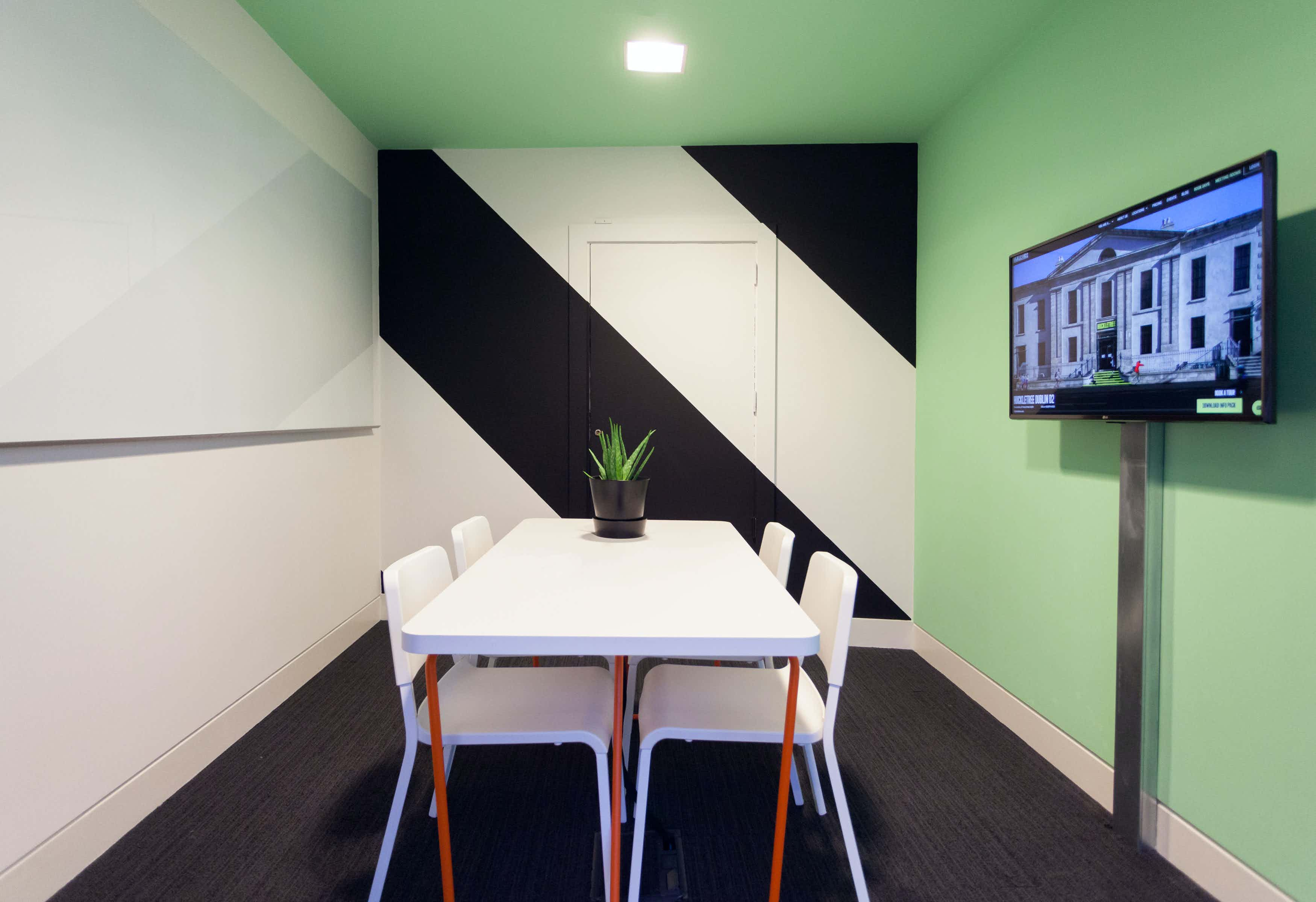 Session, Huckletree D2