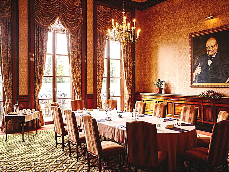 Churchill Room **The Churchill Room at Luton Hoo is a prime off-setting meeting Space available to hire.**