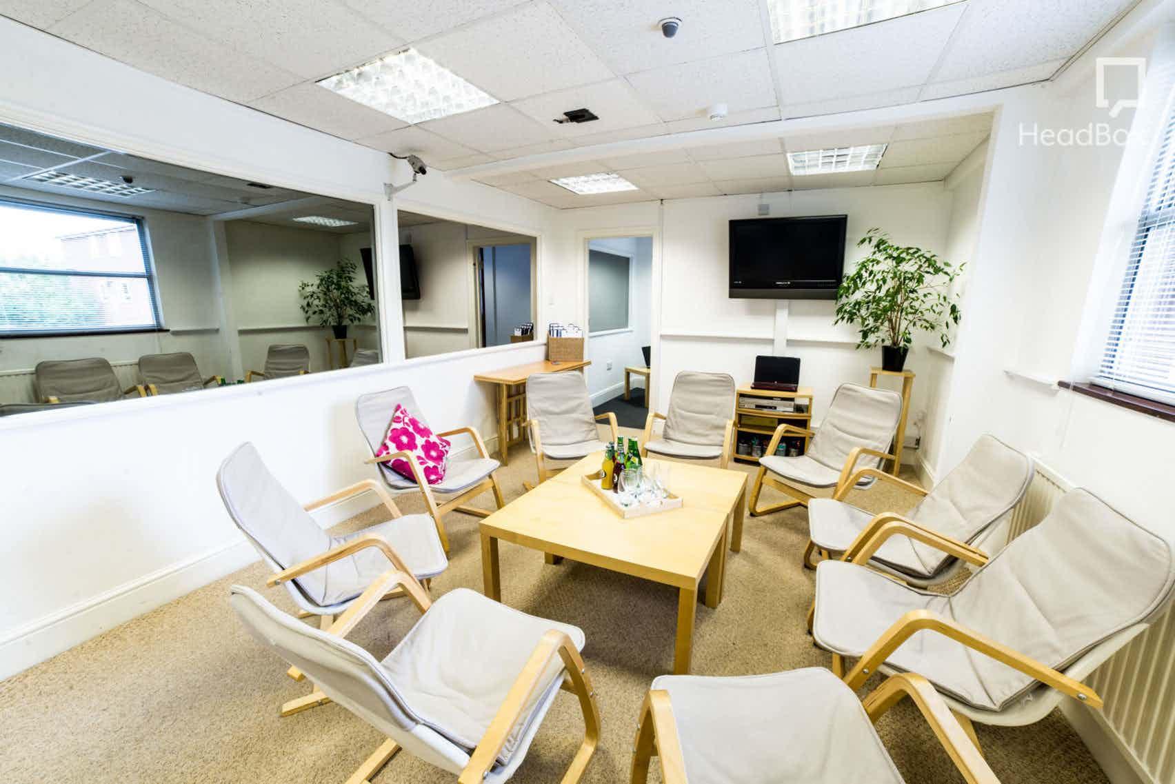 Entire Venue, The Qualitative Lab