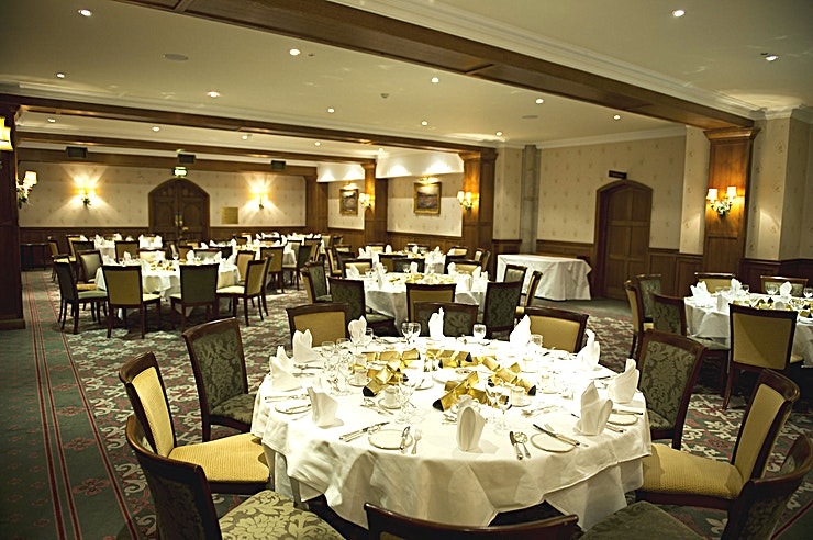 John Haywood **When planning a corporate event or personal celebration, location, ambience, flexibility and a stimulating environment are all major considerations. With sixteen fully equipped suites and syndicate rooms of varying sizes, styles and functionality, Ashdown Park is a serious contender.**