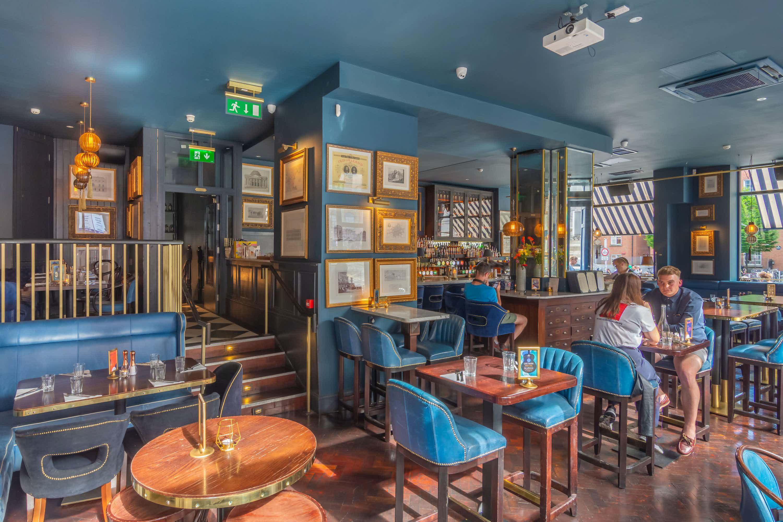 Main Bar, The Oak