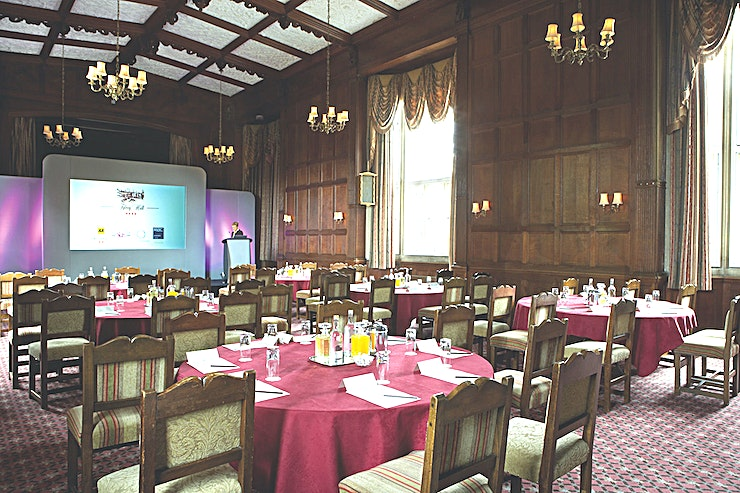 Tylney Suite **The Tylney Suite is the largest meeting room in the mansion house, it is a beautiful baronial private room with vaulted ceilings, a stage and minstrel's gallery which has recently been refurbished.** 