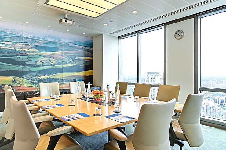 Room 1 **Room 1 at CCT Venues Plus-Bank Street is a versatile, state-of-the-art meeting room for hire in Canary Wharf.**  Just a minute's walk from Canary Wharf tube station, this stunning venue at 40 Bank Street offers events space that makes an impact for all the right reasons.   On the upper floors of this pristine 32-storey office complex, we have 26 flexible meeting rooms with floor-to-ceiling windows that boast breath-taking views across London.