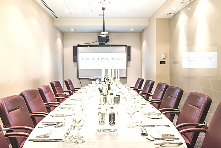 Executive Boardroom **The Executive Boardroom at Crowne Plaza London is an ideal venue to hire for corporate events.**  For smaller meetings, the Executive Boardroom is perfectly sized while the meeting floor also features a spacious breakout foyer for your coffee and lunch breaks.