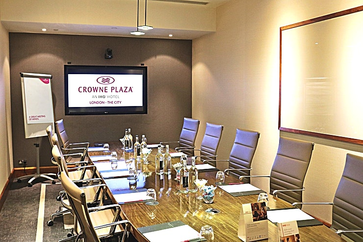 Winslow Boardroom **Winslow Boardroom at Crowne Plaza London is an ideal venue to hire for corporate events.**