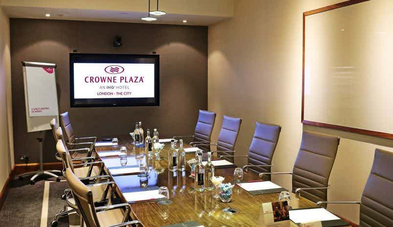 Winslow Boardroom, Crowne Plaza London - The City