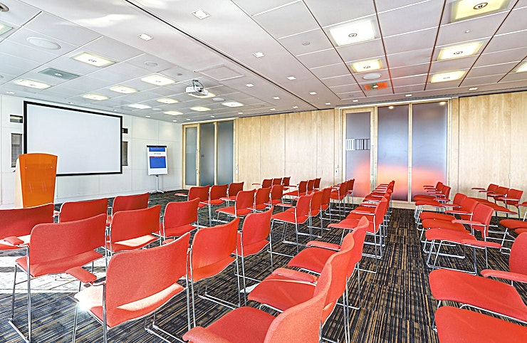 Room 6 **Room 6 at CCT Venues Plus-Bank Street is a flexible events venue available to hire in Canary Wharf.**  Just a minute's walk from Canary Wharf tube station, this stunning venue at 40 Bank Street offers events space that makes an impact for all the right reasons.   On the upper floors of this pristine 32-storey office complex, we have 26 flexible meeting rooms with floor-to-ceiling windows that boast breath-taking views across London.