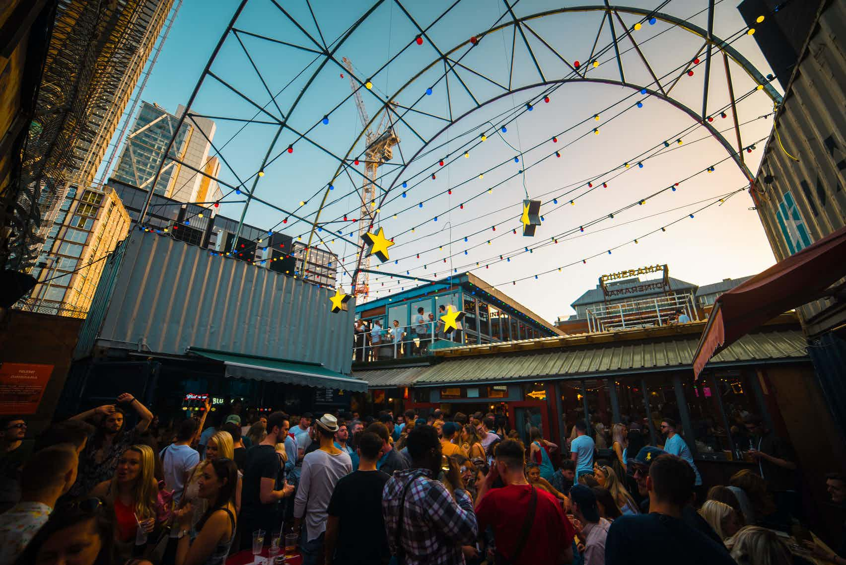 Whole Venue, Dinerama Summer
