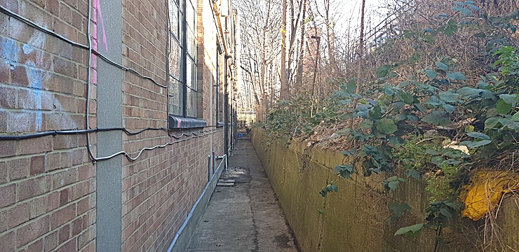 Grow Alley Way The alley that runs down the side of our building is perfect for filming and is situated just next to the railway tracks of London Overground station Hackney Wick.  Located on the ground floor.