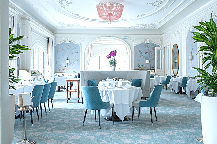 The Pompadour **Hire The Pompadour at Waldorf Astoria Edinburgh for a fantastic private room hire in Edinburgh**  The Pompadour boasts beautiful hand-painted walls and spectacular views of Edinburgh Castle as wel