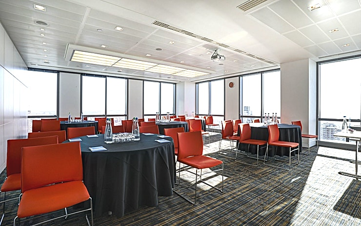 Room 5 **Room 5 at CCT Venues Plus-Bank Street is a multi-functional, state-of-the-art events Space available to hire in Canary Wharf.**  Just a minute's walk from Canary Wharf tube station, this stunning venue at 40 Bank Street offers events space that makes an impact for all the right reasons.   On the upper floors of this pristine 32-storey office complex, we have 26 flexible meeting rooms with floor-to-ceiling windows that boast breath-taking views across London.
