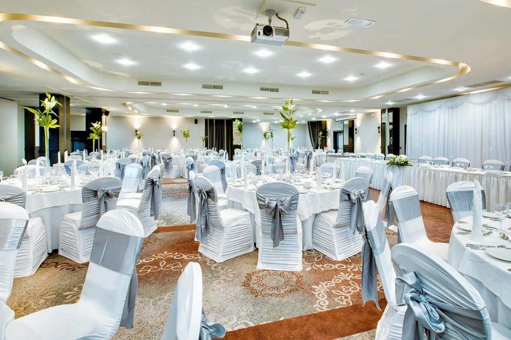Collinstown Suite 1 and 2, Carlton Hotel Dublin Airport