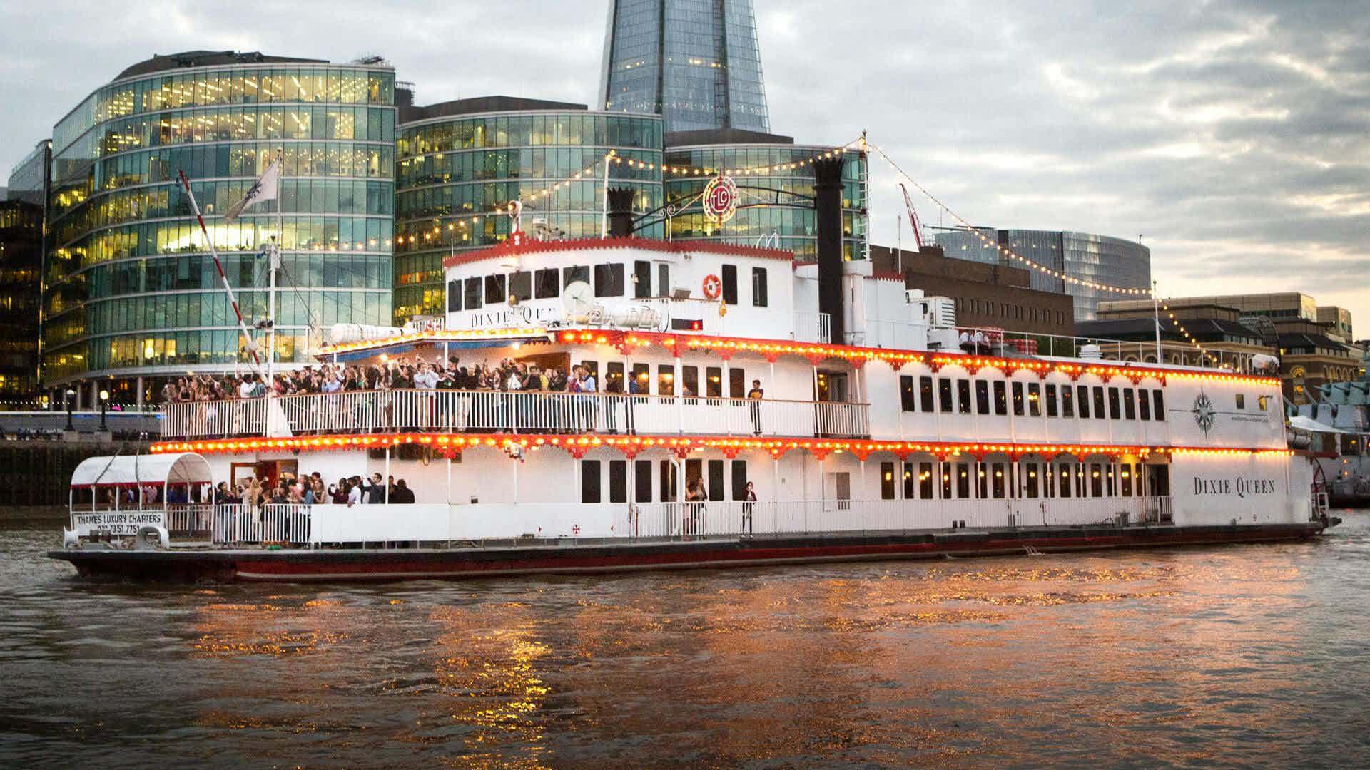 Whole Venue, Dixie Queen – Thames Luxury Charters