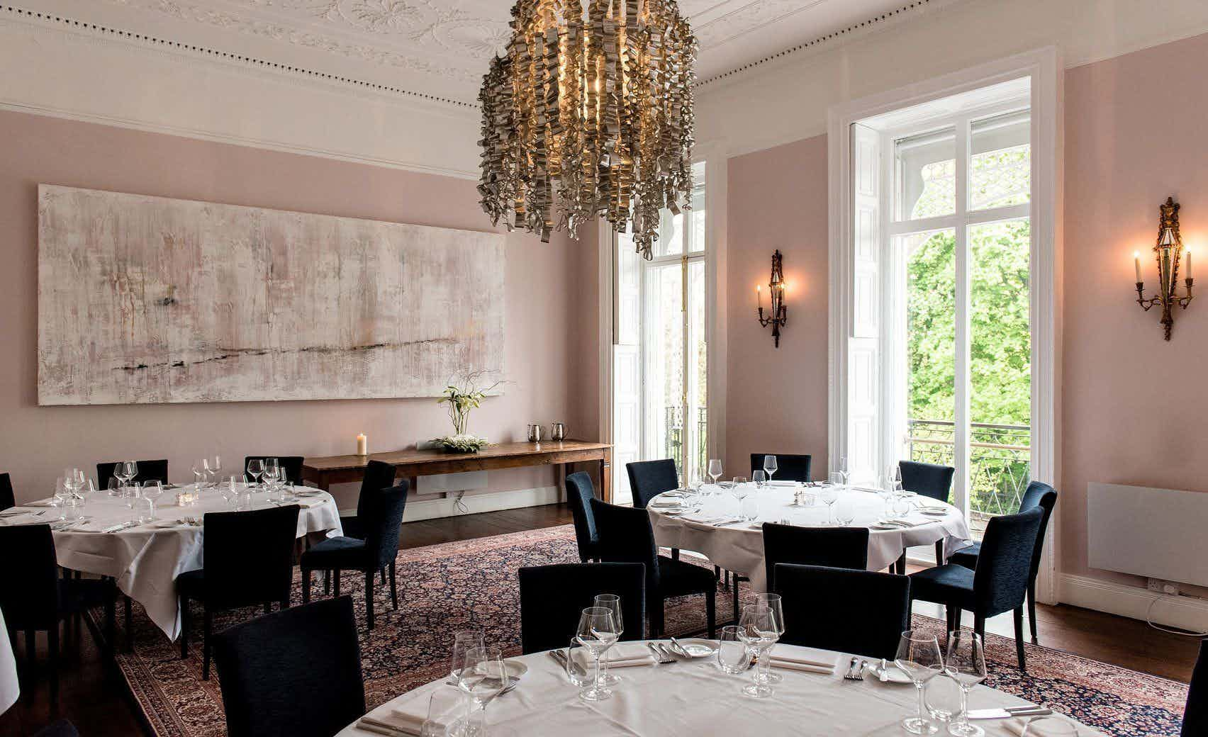 Private Dining Room & Aviator Bar , Cliff Townhouse