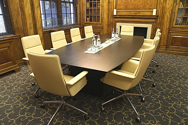 John Taylor Room **John Taylor Room Room at 148 Leadenhall Street is a multi-functional, stylish meeting room for hire in City of London.**  148 Leadenhall Street is situated directly opposite the world-famous Lloyd