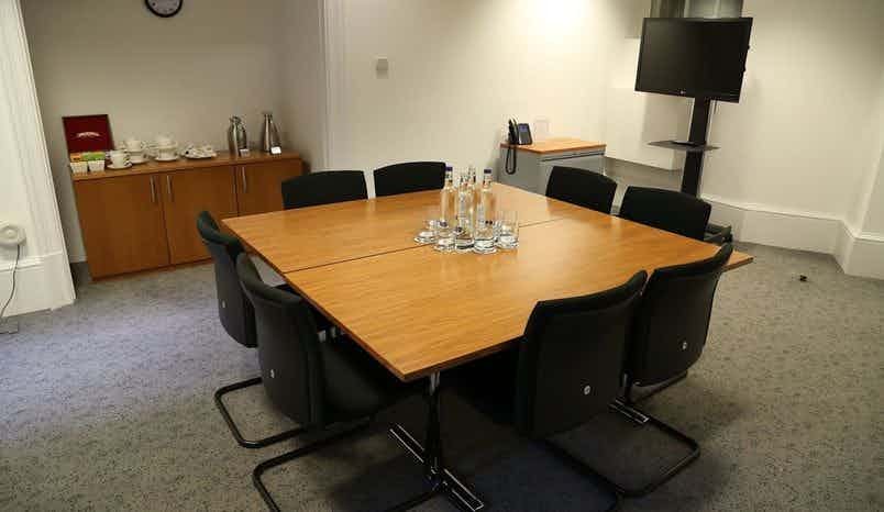 Lindley Room, Central Court