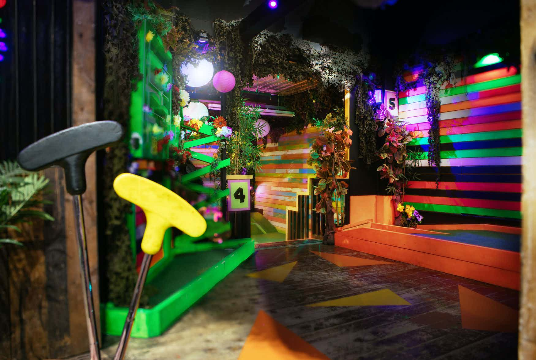 The Whole Course, Plonk Crazy Golf Camden