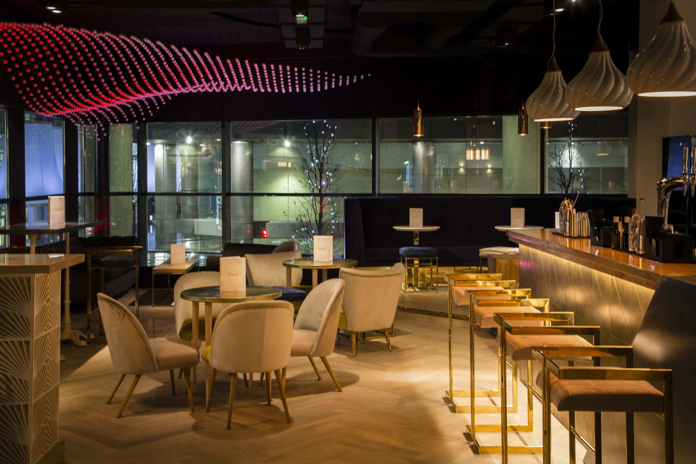 Private Restaurant/Bar, Albatross & Arnold
