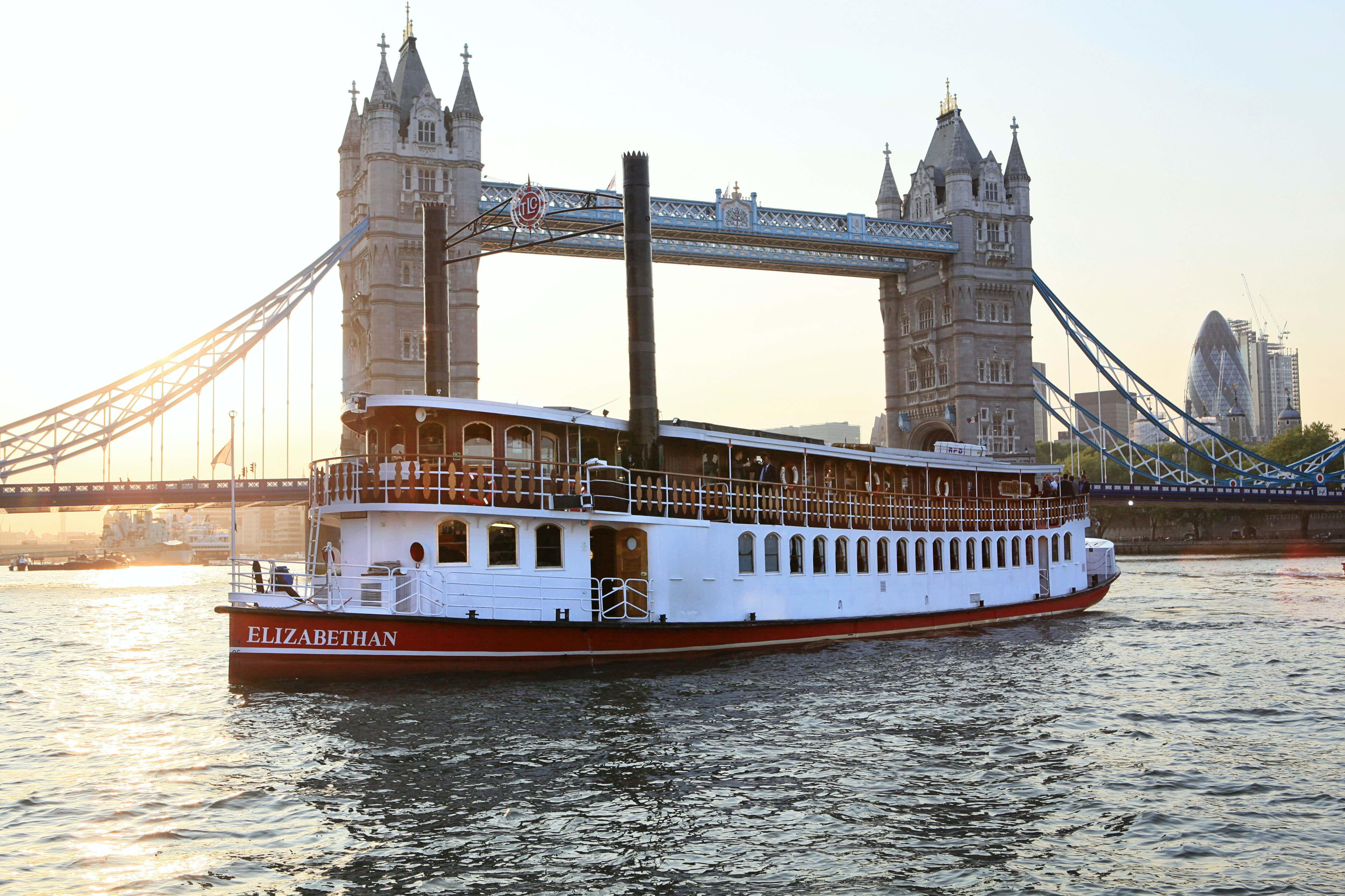 Whole Venue, Elizabethan – Thames Luxury Charters