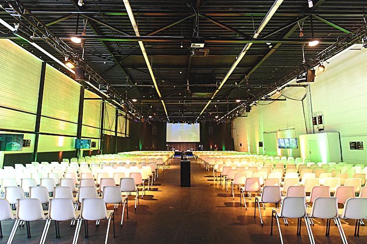Hal 1   White Box **Boek  Hal 1   White Box in Taets Art and Event Park voor een unieke evenementenlocatie op het prachtige nationaal erfgoed in Het Amsterdamse Noordzeekanaal.**  Met zijn vele unieke gebouwen op di
