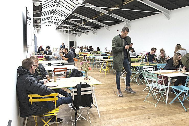 Hal 1   Building 408 **Boek Hal 1   Building 408 in Taets Art and Event Park voor een unieke evenementenlocatie op het prachtige nationaal erfgoed in Het Amsterdamse Noordzeekanaal.**  Met zijn vele unieke gebouwen op