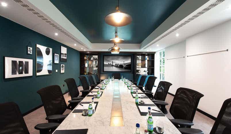Executive Boardroom, Crowne Plaza London kensington
