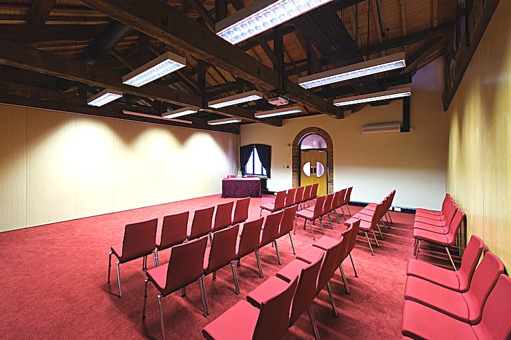 Lodge Room 1 **Hire Lodge Room 1 at IET Birmingham: Austin Court for your next Birmingham venue hire, ideal for a wide range of corporate events.**   A flexible, tranquil meeting room or dining room that can be