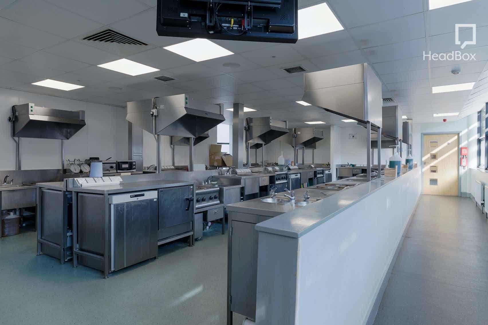 Evening, Kitchen 1, Open Kitchen