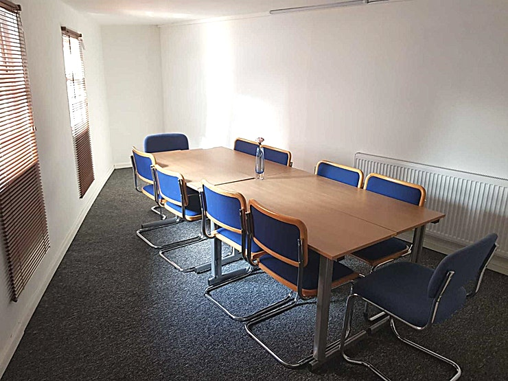 Classroom **Classrooms to rent in Wembley from £10 per hour, available rom 8AM to 10PM.**  The venue has a large & small room that can be used for: Meetings, Classes, Tutoring, Interviews, Exams, Conferences   The small room can hold up to 6 people and the large up to 20 people.