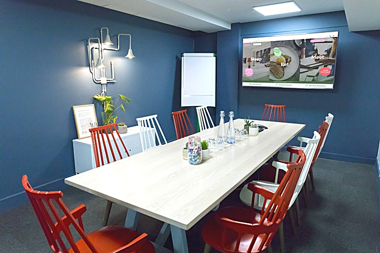 The Study **The Study at Qbic Hotels is the perfect destination for off-site meetings, workshops or conferences in London**  If you need privacy and zero distractions, go for The Study. Perfect for formal pit