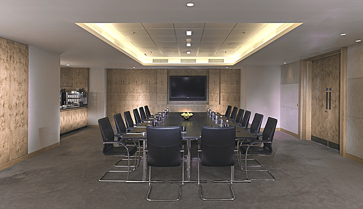 Landmark 1, 2 & 3 **The Landmark London has three multi-functional meeting rooms for hire.**  Landmark 1, 2 or 3 are ideal for small meetings, private dining and interviews or as a breakout room.