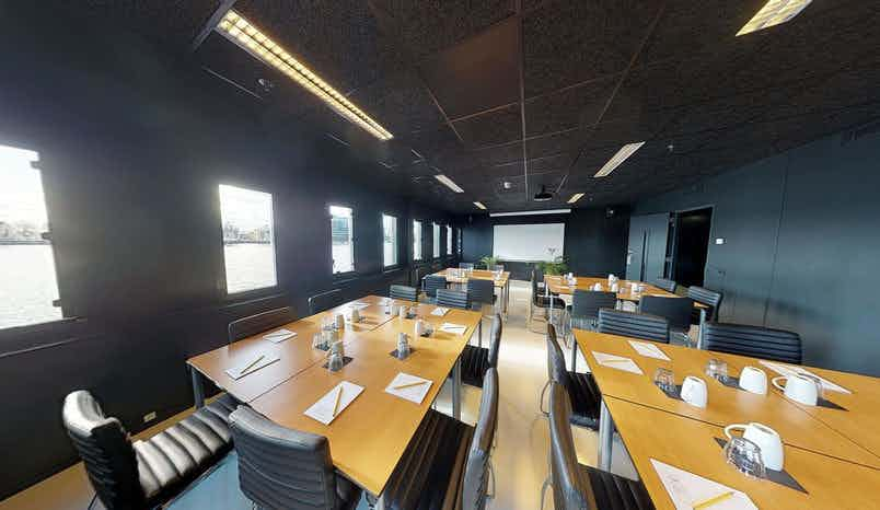 Large Meeting Room, Good Hotel London