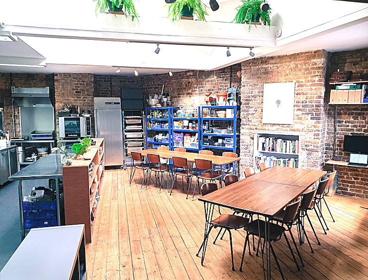 Kitchen Studio/Meeting Room **Blanch & Shock at Artichoke Mews has a flexible Kitchen Studio / Meeting Room for hire in Camberwell.**