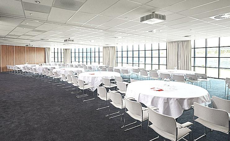 4 & 5 & 6 **Kamer 4, 5 en 6 kunnen gecombineerd worden tot een ruime, multifunctionele vergaderzaal te huur bij The Corendon Hotel Amsterdam.**  Het Corendon City Hotel Amsterdam is een uniek hotel concep