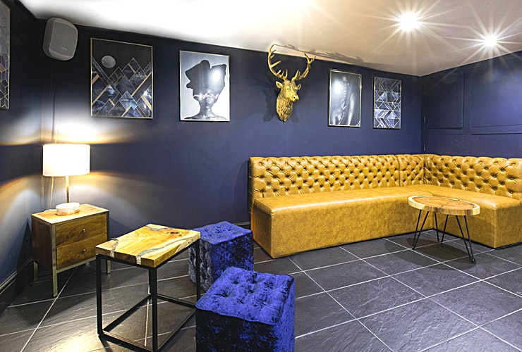 Royal Lounge **The Royal Lounge at SPACES is a stylish cocktail bar for hire in South East London.**  This venue is an independent two-floor, fun cocktail bar in South East London offering private party venue hire to celebrate birthdays, leaving parties, engagements and corporate events.   The venue have hosted a range of parties where you can arrange private bar hire of the whole venue or just one bar for your Guests to party the night away.   Staff will be available to assist you every step of the way to ensure your event is a success.  The venus us just 10 minutes from Elephant and Castle tube station and has an American grill pop up and a swanky suya pop on our ground floor as well as cocktails, craft beers and wines to cater for all tastes, and an atmosphere packed with south London energy.