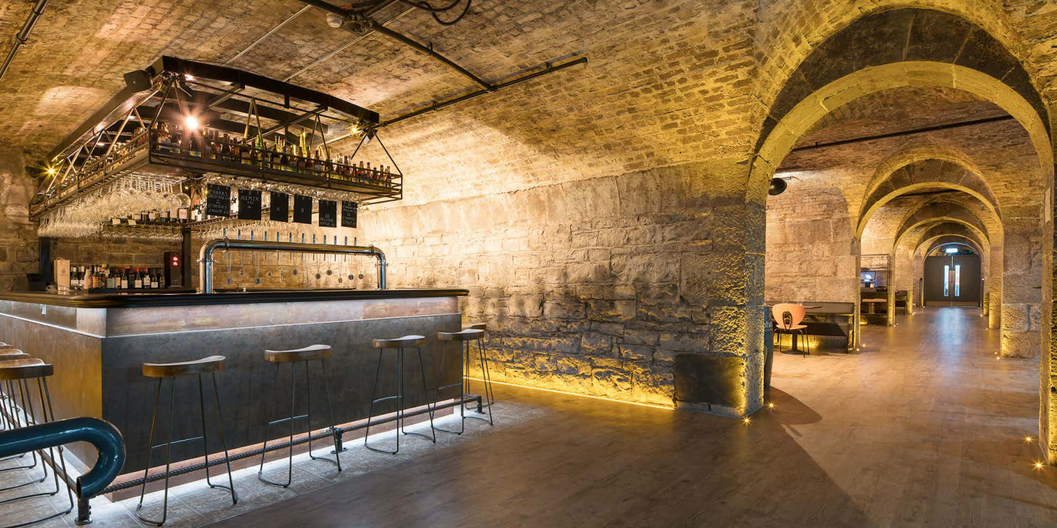 Vault Bar, Urban Brewing