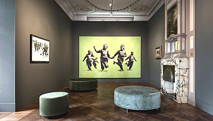 Whole Venue Hire **Het MOCO Museum in Amsterdam is een van de meest unieke evenementenlocaties die u kan huren.**  Zou het niet geweldig zijn om het Moco Museum (of een deel ervan) helemaal voor jezelf te hebben? Wel, dat kan! Verwen uw gasten met een museumbezoek na sluitingstijd: een heerlijke avond in het culturele hart van Amsterdam en met een spectaculair uitzicht op het Museumplein.  Private evenementen zijn mogelijk: diners, walking dinners en cocktail recepties.