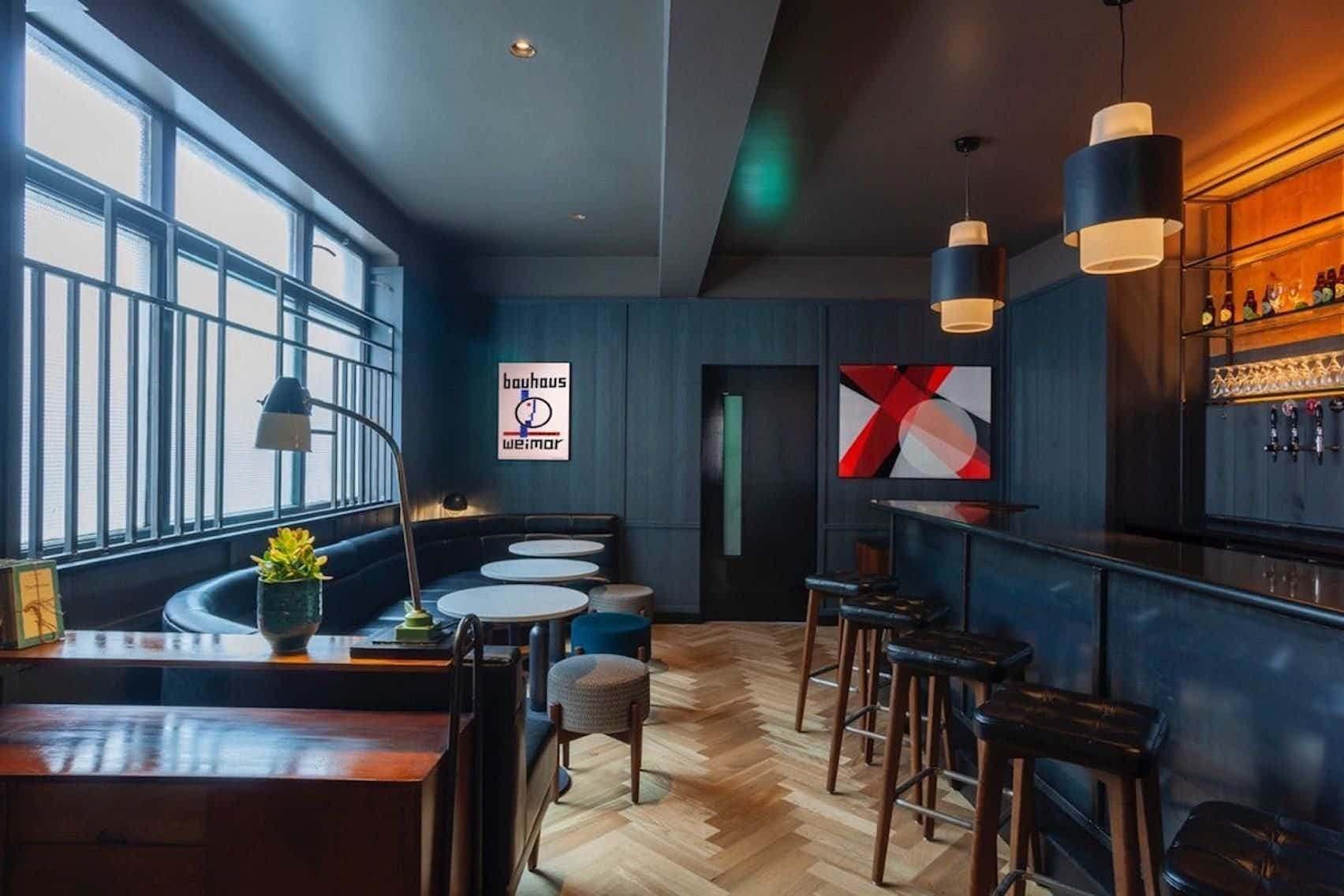 Cocktail Bar, Crow Street