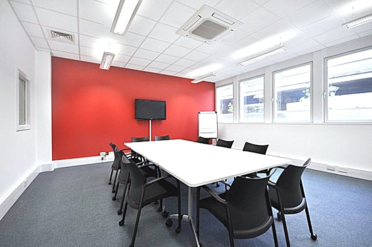 Meeting Room **Q West has a modern 10 person meeting room for hire in Brentford.**