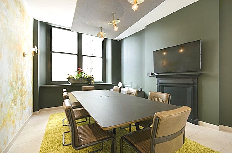 Trillion **Trillion at Salisbury House is a modern 10 person meeting room for hire in Moorgate.**  Add elegance to your meetings, in this chic 10 person meeting room just minutes from Moorgate station