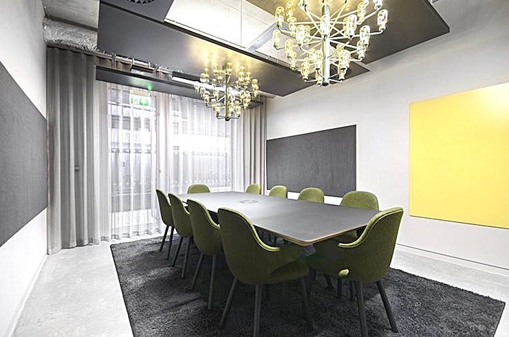Butter **Butter at The Biscuit Factory is a modern 10 person meeting room for hire in Southwark.**  Impress at your next big presentation with the latest meeting room now available at the exceptional Cocoa